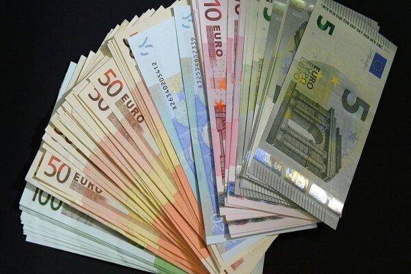 نرخ بانکی هر یورو ۴۷۰۰ تومان