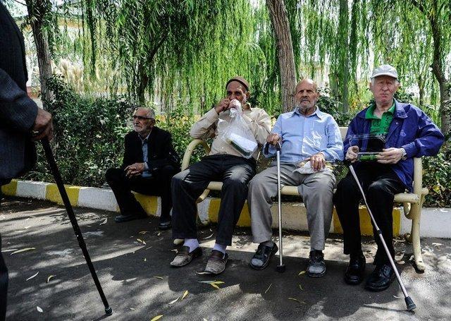 رییس سازمان برنامه و بودجه خبر داد                                 پرداخت پاداش بازنشستگان و فرهنگیان از هفته آینده
