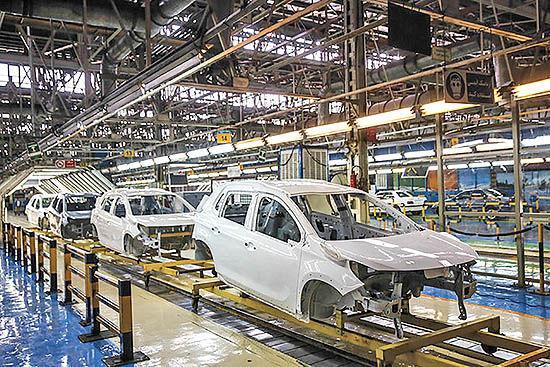دیپلماسی تولید در خودروسازی کشور تغییر می کند