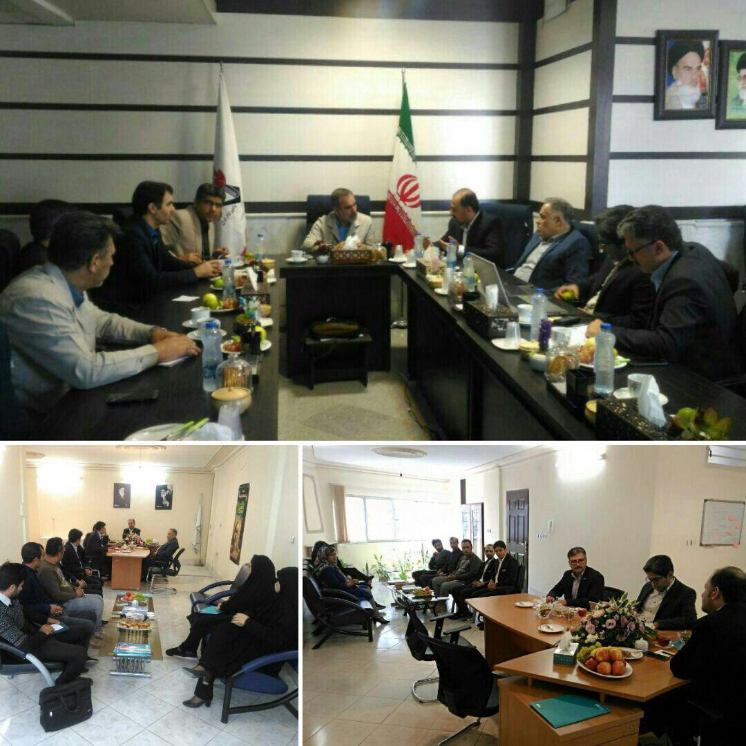 نشست مدیرعامل بیمه دی با مدیرکل بنیاد شهید استان خراسان شمالی