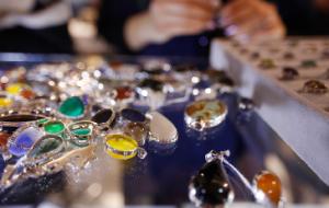 (ایران سهامدار چند درصد سنگ تزئینی دنیاست؟/ خام فروشی بلای جان محصولات معدنی