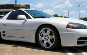 """(میتوسوبیشی 1999 ، خودرویی که آن را """"دردسری برای فِراری"""" لقب داده بودند!+عکس"""