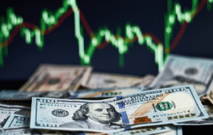 پیش بینی قیمت دلار امروز چهارشنبه 8 مرداد ۹۹/ خطر سقوط دلار