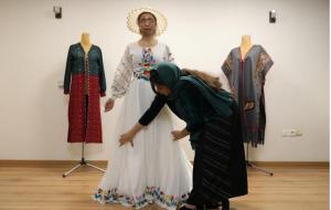 (شغل جدید قربانی اسیدپاشی در ایران ؛ مدلینگ لباس (+عکس)