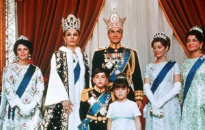 (چرا شاه را از ایالات متحده آمریکا بیرون کردند+فیلم