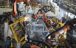 (ایران خودرو در آستانه عبور از تولید نیم میلیون دستگاه خودرو