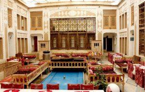 (آشنایی با ملک التجار هتل شاهانه اصیل ایرانی با قدمت ۳۰۰ سال